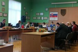 Krompašskí poslanci schválili zvýšenie poplatku za komunálny odpad.