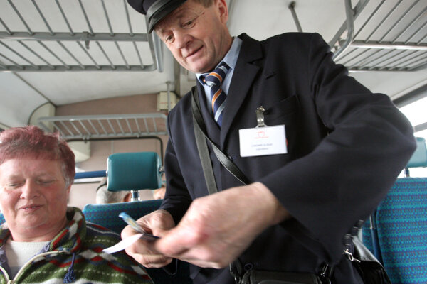Na trati Zvolen - Šahy už budú jazdiť vlaky bez sprievodcu. Ilustračné foto.