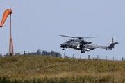 Na prevoze obetí sa podieľal vrtuľník novozélandských námorných síl.