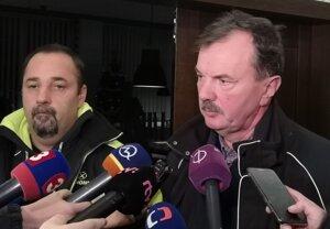 Odborník z demolačnej firmy Jiří Raszka (vľavo) a statik Jozef Polák.