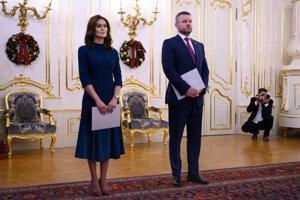 Exministerka zdravotníctva Andrea Kalavská a premiér Peter Pellegrini.