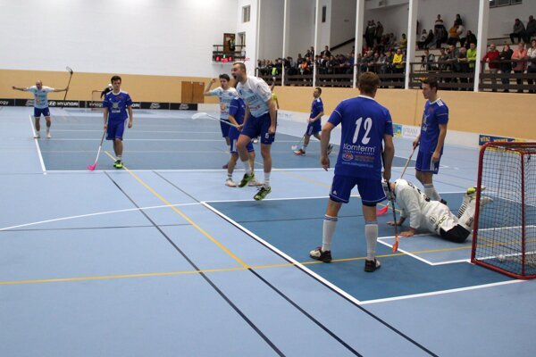 Z rozhodujúceho gólu na 7:6 mala Záhorská Bystrica veľkú radosť. Prišiel po dvoch oslabeniach.