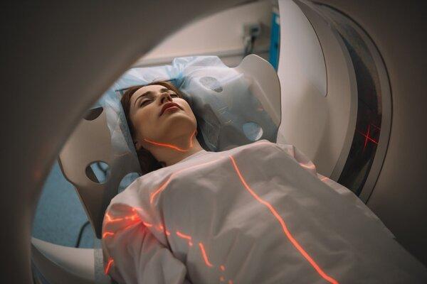 Umelá inteligencia rádiológov nenahradí, no vo vyhodnocovaní záberov je pozoruhodne presná.