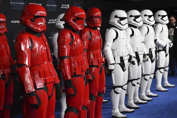 Imperiálna armáda Stormtrooperov.