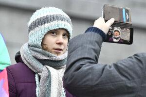 Greta pred švédskym parlamentom.