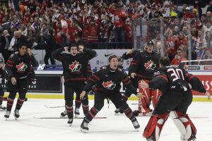 Momentka po finále Kanada - Rusko na MS v hokeji do 20 rokov 2020.