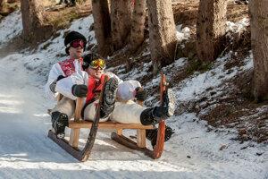 Snehu síce veľa nebolo, ale tradičné krňačkové majstrovstvá v Tureckej sa vydarili.