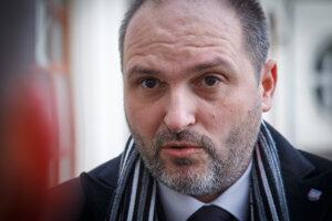 Jaroslav Polaček odovzdal v utorok vláde žiadosť o odpustenie zostatku dlhu Košíc.