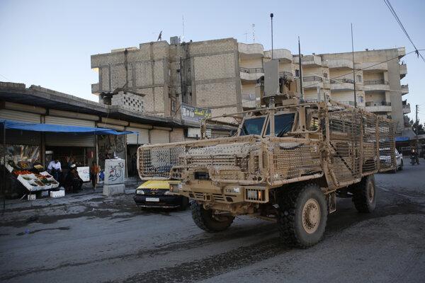 Americkí vojaci počas operácie v Sýrii.