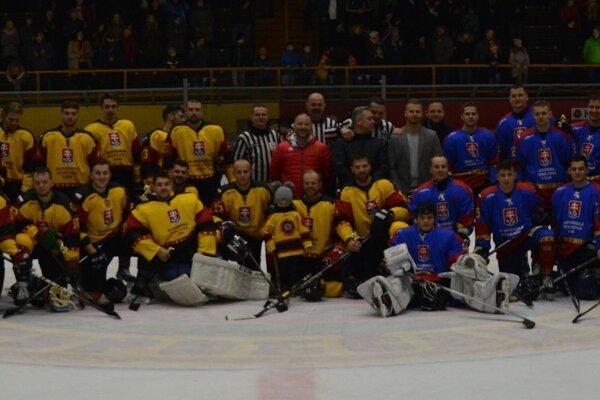 Topoľčany odohrali zápas proti výberu Slovenskej hokejovej ligy.
