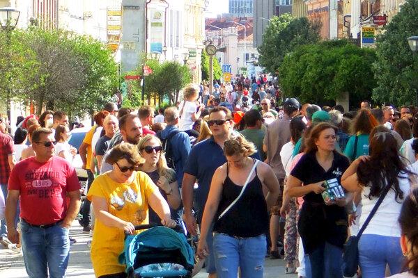 Nitrianska pešia zóna počas mestských slávností.