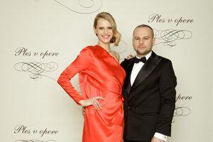 Marcel Holubec, módny návrhár a Alexandra Gachulincová, slovenská topmodelka