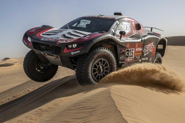Víťaz 8. etapy Rely Dakar 2020 v súťaži automobilov Mathieu Serradori.