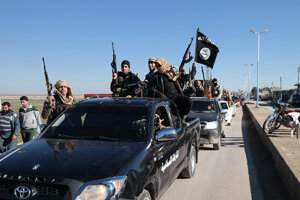 Bojovníci Islamského štátu v čase jeho rozmachu.