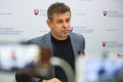 Minister životného prostredia a podpredseda vlády László Sólymos (Most-Híd) podáva demisiu.
