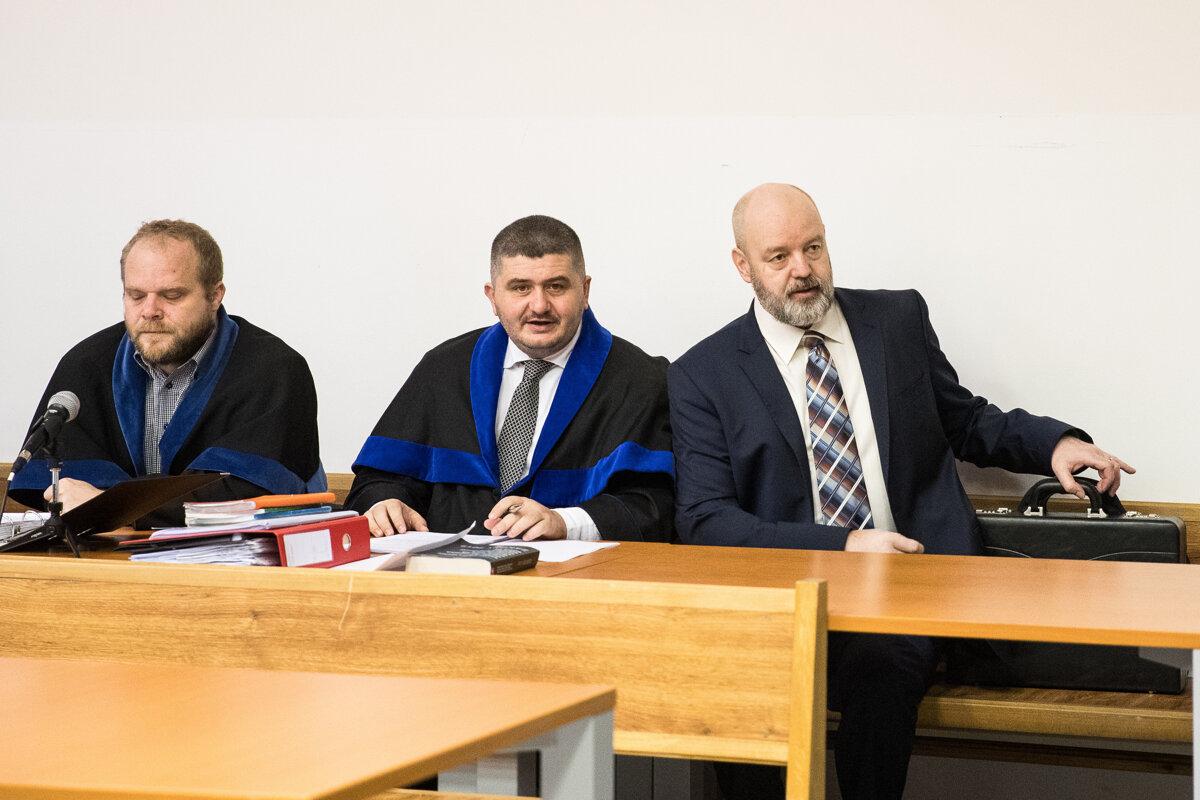 Súd v kauze prípravy vraždy Volzovej (fotogaléria) - SME