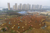 Pre vírus stavajú v Číne novú nemocnicu. Chcú to stihnúť za desať dní