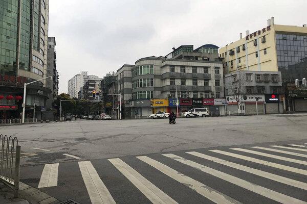 Prázdne ulice vo Wu-chane