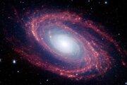Ramená galaxie Messier 81, ktorá sa nachádza dvanásť miliónov svetelných rokov od Zeme.