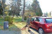 Obchodníci žiadajú, aby bolo parkovanie na Moskovskej aspoň dve hodiny zdarma.