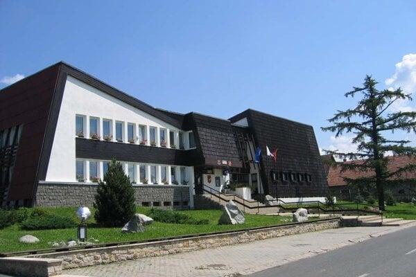 Obecný úrad v Štrbe.