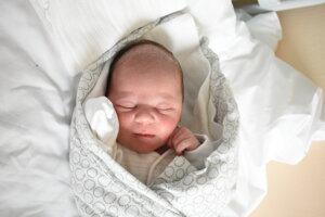 Jakub Lobotka (3560 g, 49 cm) sa narodil 28. januára Anne a Norbertovi z Bánoviec nad Bebravou.