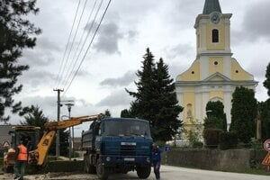 Budovanie kanalizácie v Bojnej.
