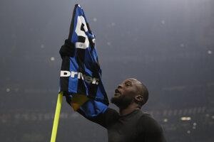 Romelu Lukaku sa raduje v dueli Inter Miláno - AC Miláno.