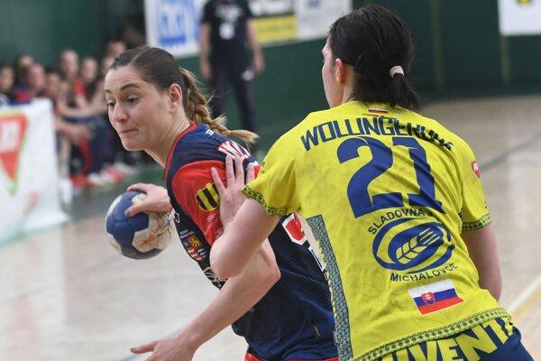 Lívia Klučková (vľavo) ešte nedávno bojovala proti Iuvente, teraz si bude obliekať jej dres.