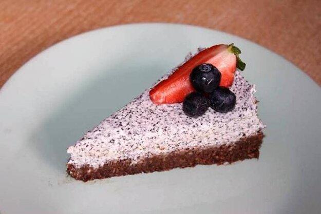 Nepečená maková torta bez cukru