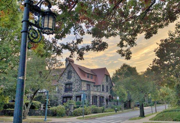 Časť Forrest Hills Garden a tudorovské domy
