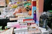 Falošné voňavky nakúpil Poliak cez internet a predával ich na Slovensku.