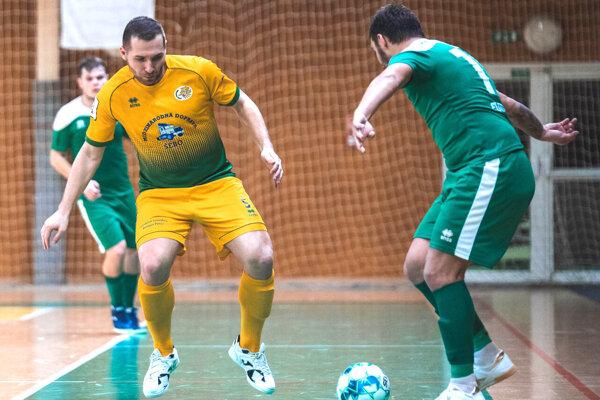 Ján Adami (v žltom) je súčasťou Futsal Teamu Levice od jeho založenia.
