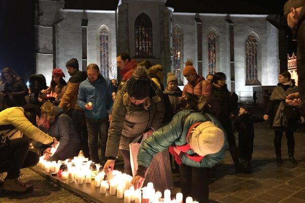 Počas spomienkového zhromaždenia v Prešove.