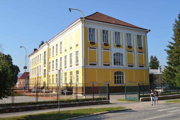 Gymnázium Pavla Jozefa Šafárika v Rožňave.