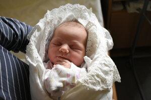 Viktória Jonová (3600 g, 50 cm) sa narodila 4. februára Janke a Adamovi z Bratislavy.