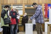 Výsledky exit pollu prinášajú prieskumné agentúry nanajvýš minúty po uzavretí volebných miestností.