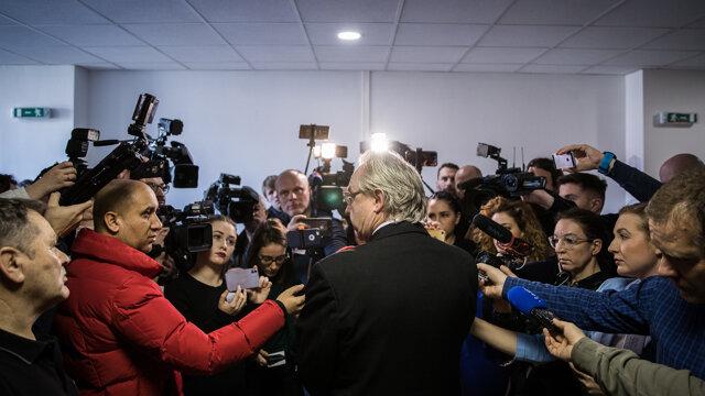 Dozorový prokurátor Ján Šanta odpovedá na otázky médií po vynesení rozsudku.