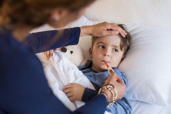 Rodič si môže za rok vyčerpať sedem dní na návštevu lekára s dieťaťom, s náhradou mzdy.