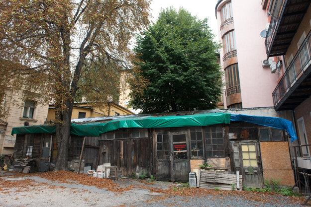 Kamenárske dielne, v ktorých mal Alojz Rigele svoj ateliér, dnes.