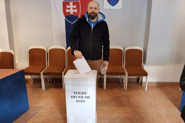 Primátor Bročka si už splnil svoju občiansku povinnosť.