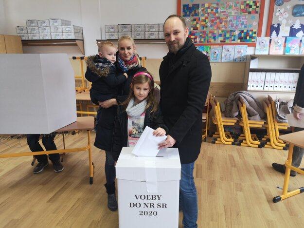 Voľby 2020: Trnavský župan Jozef Viskupič so svojou rodinou.