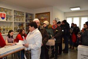 Aj v Turzovke sa vo volebných miestnostiach vytvárajú rady.