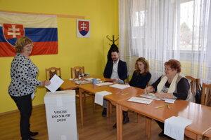 Volila aj dlhoročná členka volebných komisií v Leviciach Ružena Brodzianska.