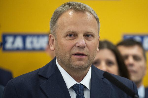 Vladimír Ledecký zo Za ľudí, do parlamentu sa dostala aj jeho dcéra Vladimíra Marcinková.