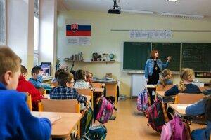 Krízový štáb mesta Martin prerušil vyučovanie v školách a škôlkach.