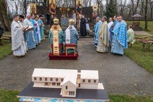 Slávnostný akt poklepania základného kameňa v Klokočove.