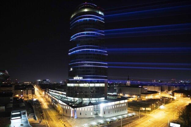 NBS využíva strategickú polohu budovy centrály v rámci Bratislavy, ktorá bola ešte donedávna najvyššou na Slovensku.
