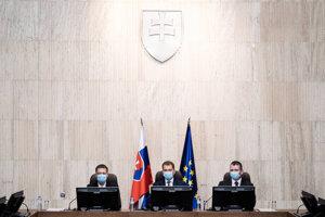 Prvé zasadnutie vlády Igora Matoviča.