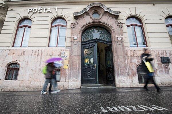 Pošta prepraví aj zásielky, ktoré kuriéri či iní doručovatelia prepravovať nechcú.